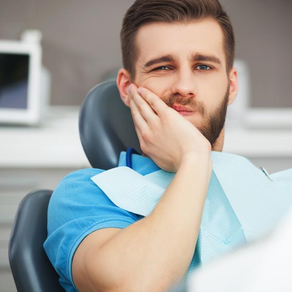 Dolore ai denti. Cure dentali Benessere Viaggiando